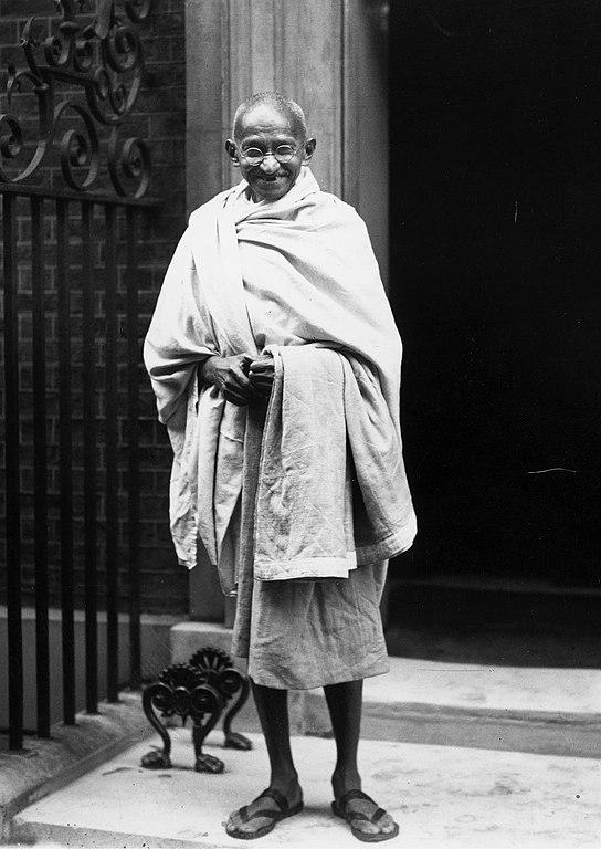 Gandhi outside 10 Downing Street, London, 1931. (Public Domain)